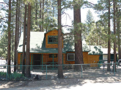 cabins rental in bear walk by hot pool ca tub sleeps private home table vacation bedroom to big owner short summit cabin snow family lake